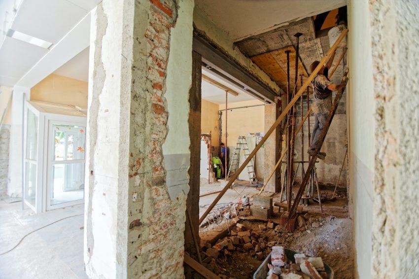 Jeg er glad for i dag at sætte fokus på renovation igen i dag. Vi skal tale om huse, energiberegning, interiør og renovering her på bloggen.